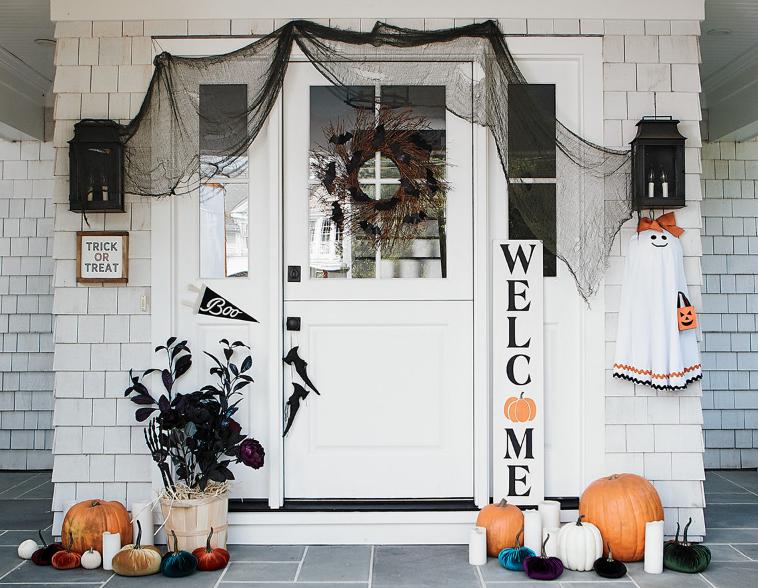 Dekorasi Pintu Rumah Menyambut Hari Halloween