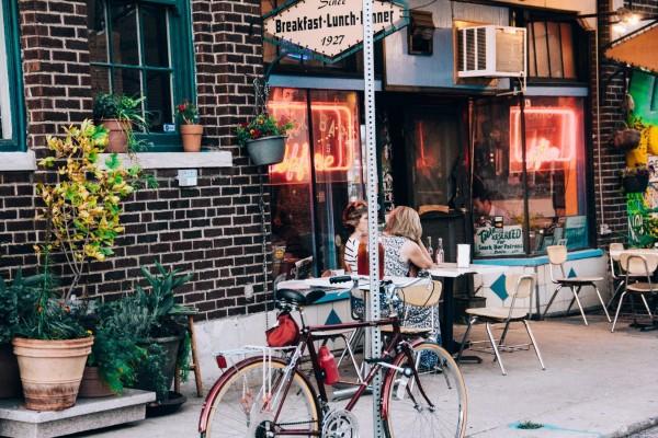 Trik Dekorasi Cafe Minim Budget Yang Manis