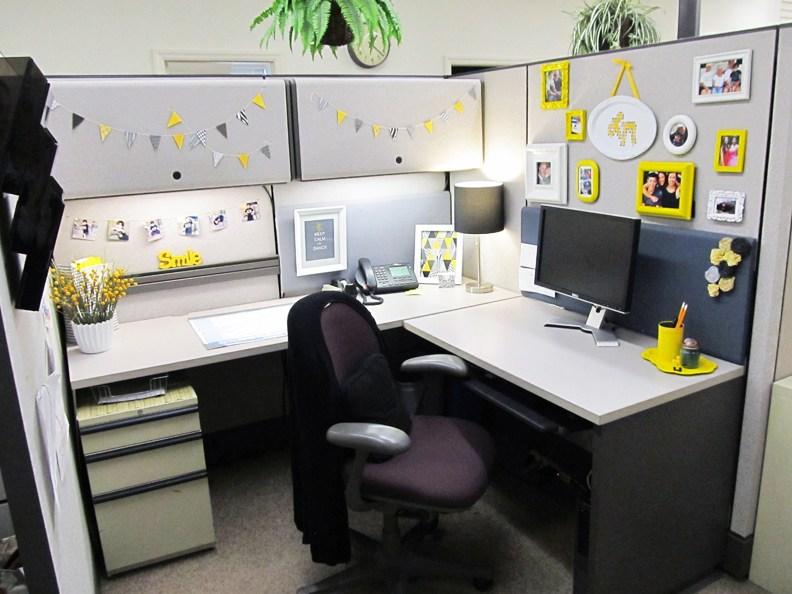 Ingin Nyaman Saat Bekerja Di Meja Kantor ? Simak Tips Berikut Ini !